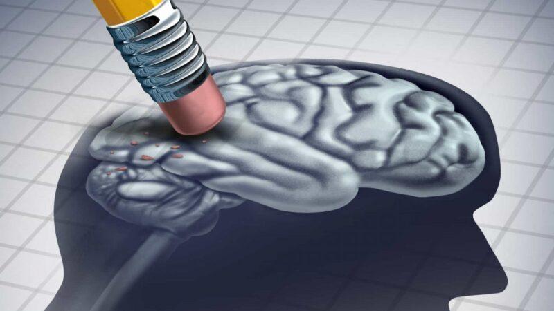 Doença de Alzheimer não tem cura, mas tem tratamento.